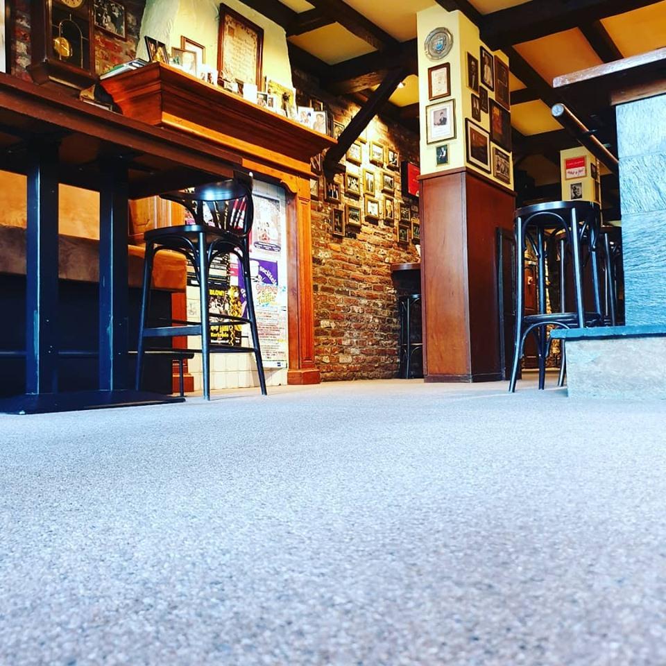 Een grondige reiniging van de vloer